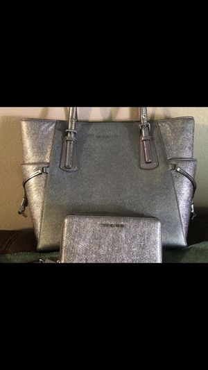 Michael Kors purse and wallet for Sale in Bartow, FL