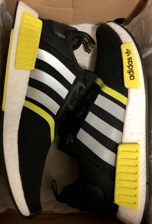 ADIDAS NMD R1 YELL/BLK SIZE 10 $99 for Sale in Santa Ana, CA