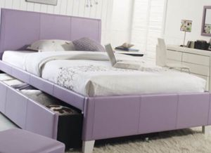 Queen bed frame for Sale in Dublin, OH
