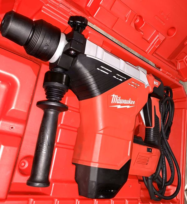 Milwaukee 15 Amp 1-3/4 in. SDS-MAX Corded Combination Hammer with E-Clutch