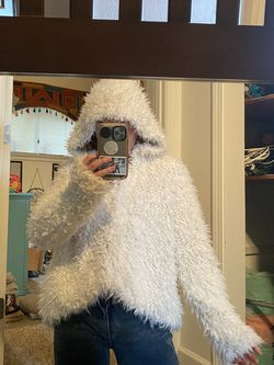 Free People Fuax Fur Hoodie With Pockets for Sale in Oregon City,  OR