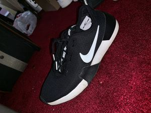 Adidas shoes for women size 8 for Sale in Philadelphia, PA