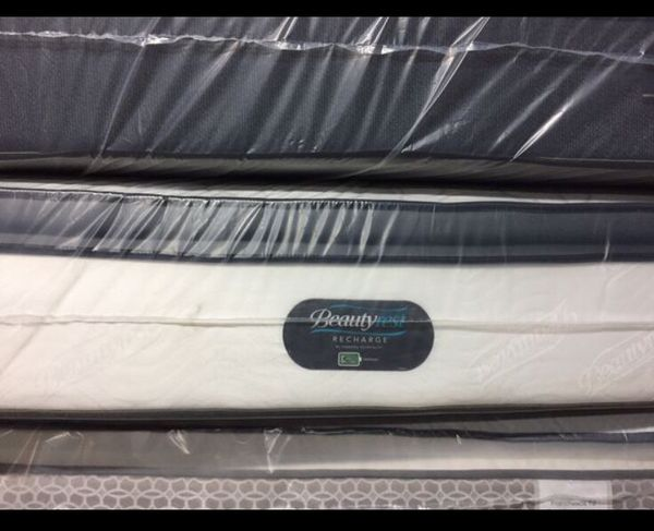 Beautyrest Recharge. Queen Size Pillow-Top Mattress.