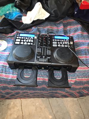 Dj equipment/ music equipment turn tables for Sale in Fresno, TX