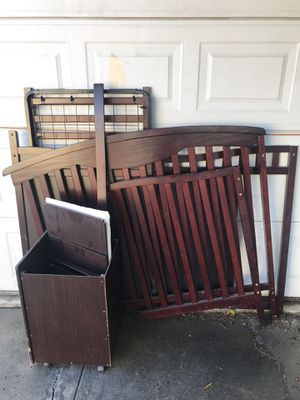 Baby Crib + Toddler bed + Changing Table for Sale in E RNCHO DMNGZ, CA