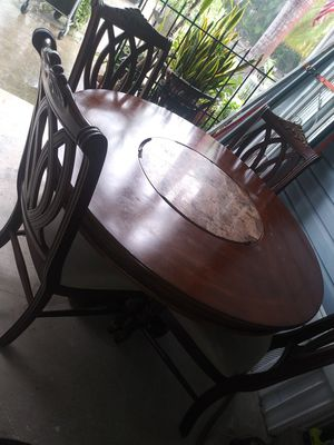 Tommy bahama table an 4 chair for Sale in Lake Worth, FL