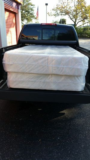 King box spring new can deliver for Sale in Oldsmar, FL