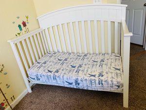 Graco baby crib 3 in 1 like new for Sale in Nashville, TN