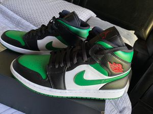 Jordan 1 ( pine greens) and checkered vans (PS4 trade) for Sale in Orlando, FL