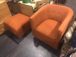 Chair and ottoman for Sale in Cleveland Heights, OH