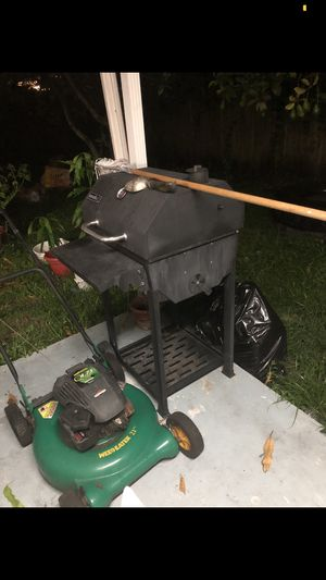 BBQ and Lawn Mower for Sale in Hialeah, FL