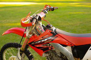 2003 Honda crf450r for Sale in Fresno, CA