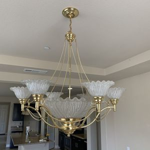 Large Dining Room Chandelier for Sale in Apple Valley, CA