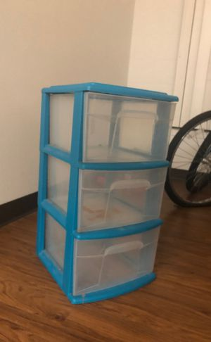 Plastic drawer 10$ (negotiable) for Sale in Tampa, FL