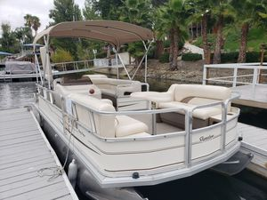 2004 Suntracker Party Barge 21ft pontoon boat for Sale in Canyon Lake, CA