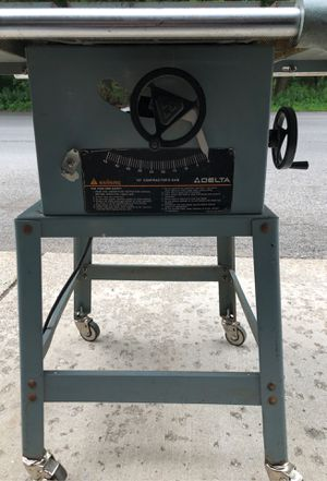 Delta Table saw on wheels for Sale in Hammond, IN