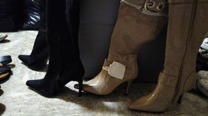 Knee heeled boots size 6 for Sale in El Paso, TX