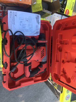 """8 Amp Corded 1"""" SDS D-Handle Hammer drill, Milwaukee for Sale in Baton Rouge, LA"""