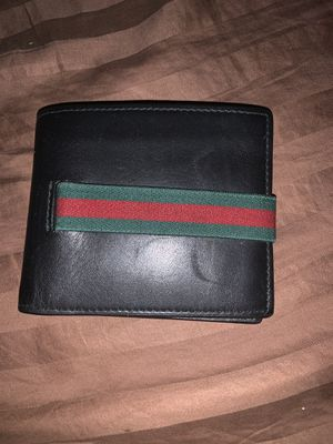 Gucci wallet for Sale in Morrisville, PA