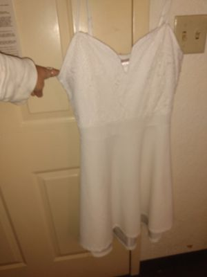 White dress large love this dress for Sale in Cherry Hill, NJ