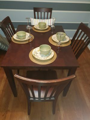 Dining/kitchen table for Sale in Waldorf, MD