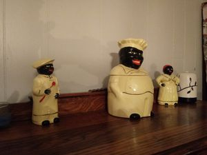 Cookie jar salt and pepper for Sale in North Branford, CT