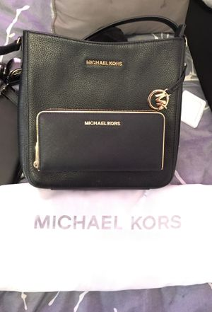 Michael kors messenger bag plus matching wallet 80$Ono for Sale in San Francisco, CA