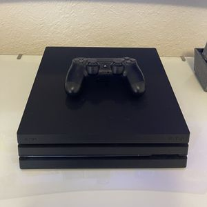 PS4 Pro for Sale in Hialeah, FL