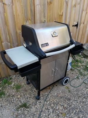 Weber Stainless Steel Spirit Propane Gas Grill 3 Burner Good Condition for Sale in Johnsburg, IL