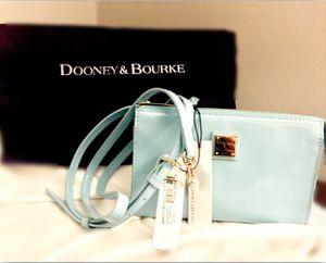 Dooney & Bourke - Spring purse for Sale in Atlanta, GA