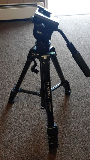 Camera tripod for Sale in Browns Mills, NJ