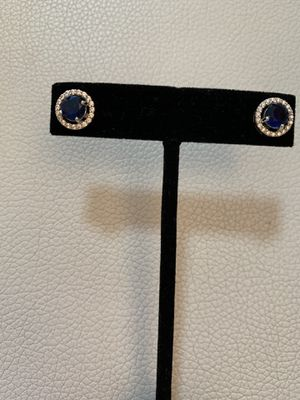 NEW- blue halo earrings studs for Sale in Miami, FL
