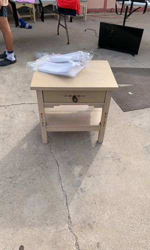 Night stand for Sale in El Paso, TX