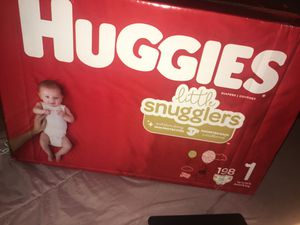 Huggies little snugglers size one diapers, 198 count for Sale in Dallas, TX