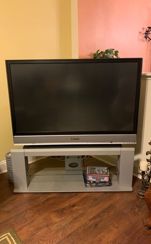 Free Tv HDMI Panasonic with table for Sale in Falls Church, VA