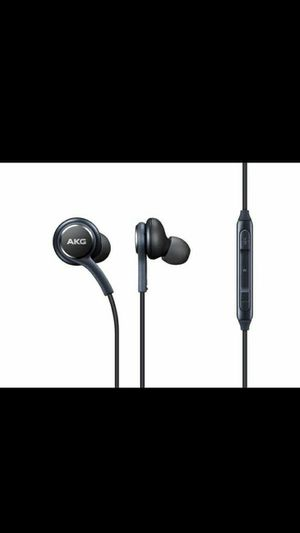 SAMSUNG HEADPHONES*** Exellent Sound For Music and Calls••• for Sale in Huntington Park, CA