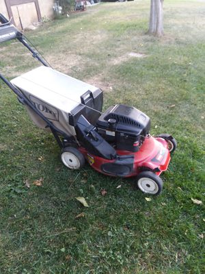 Lawn mower srlfpropeled with bag for Sale in Riverside, CA