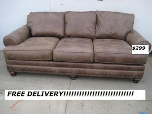 Brown Leather Cushion Sofa Couch Loveseat Excellent Condition Free Delivery for Sale in Woodland Hills, CA