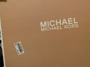 Michael kors shoes for Sale in Bakersfield, CA