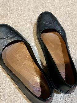 FitFlop Black Shoes: Women Size 8.5: $10 for Sale in St. Louis,  MO
