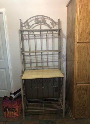 Bakers rack for Sale in Hesperia, CA