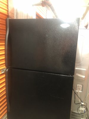 Whirlpool Refrigerator for Sale in Silver Spring, MD
