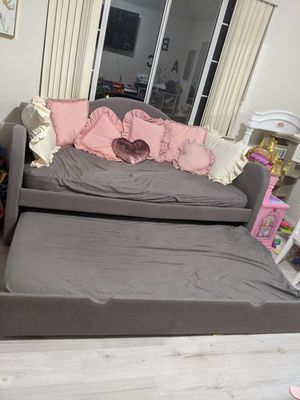 Trundle bed twin size for Sale in Riverside, CA