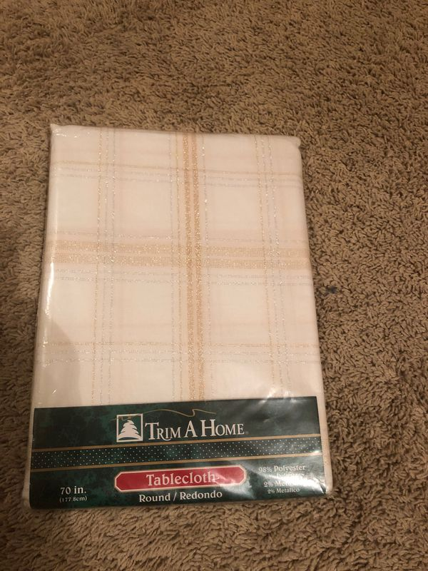 70 inch tablecloth-new