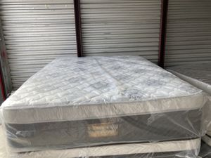 New Queen majestic ultra plush pillow top mattress and box spring $279 for Sale in Winter Park, FL