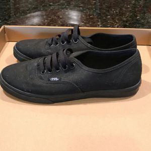 Black vans size 11.5 for Sale in Raleigh, NC