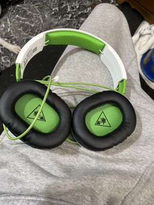 Turtle Beach Xbox Headset Reacon 70x White for Sale in Baltimore, MD