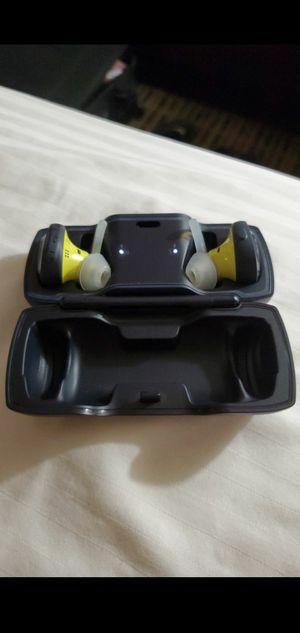 Bose SoundSport Free Midnight Blue wireless in-earbuds for Sale in Las Vegas, NV