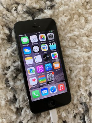 iPhone 5 32 GB Black for Sale in San Diego, CA