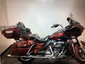 2017 HARLEY DAVIDSON ROAD GLIDE ULTRA for Sale in Fort Worth, TX